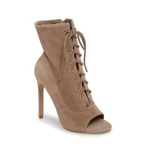 STEVE MADDEN Saint Lace-Up Bootie, Taupe Suede